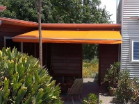 retractable-sun-awning