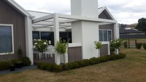 Pergola-Hawkes-Bay-With-Exposed-Hardware