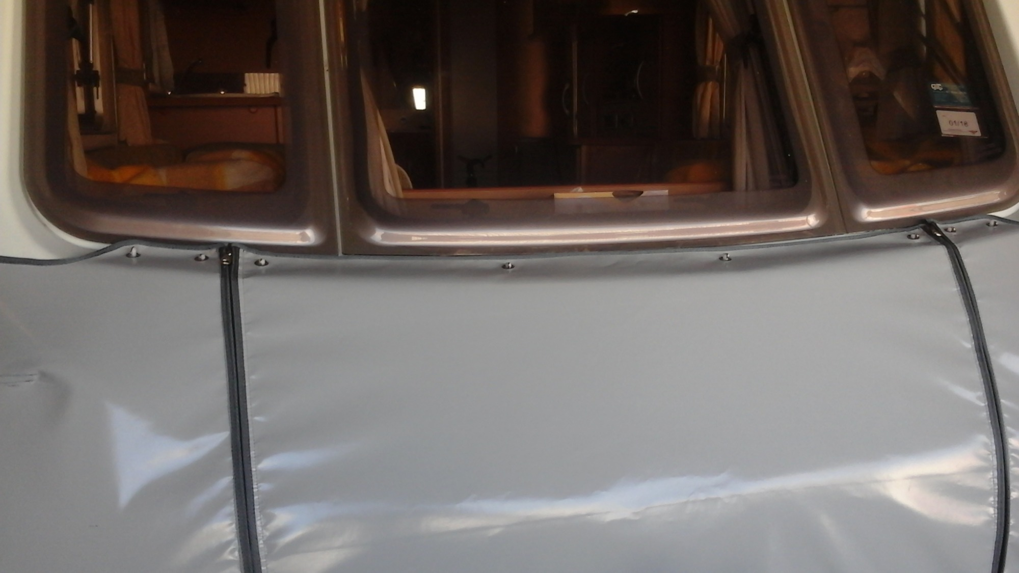 caravan-cover-close-up-stone-guard
